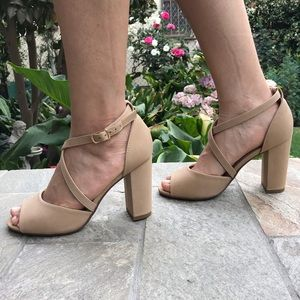Shoes - New Open Toe Criss Cross Chunky Heel